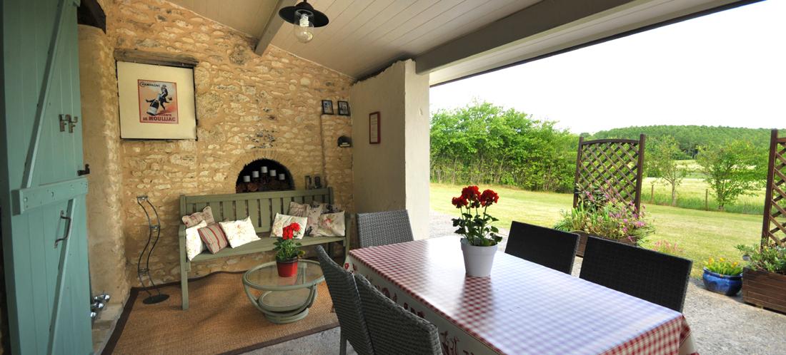 Exterior-patio2